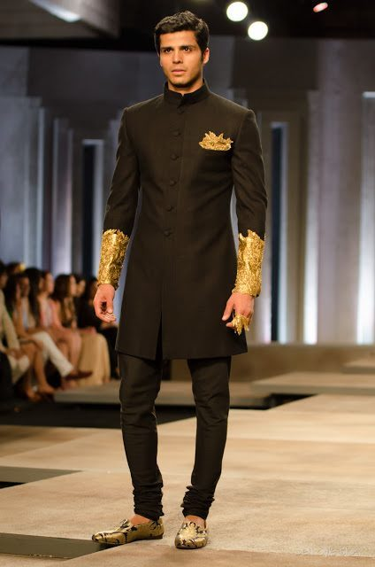 Elegant-sherwanis-for-MEN 20 Latest Style Wedding Sherwani For Men and Styling Ideas