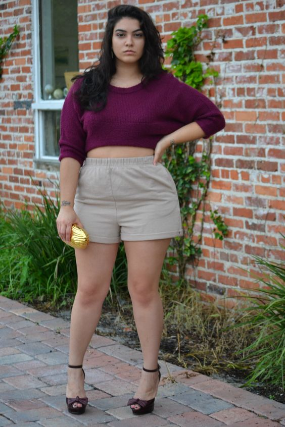 12-1 20 Ideas on How to Wear High Waisted Shorts for Plus Size Women