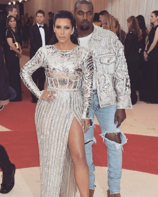 Kim-Kardashian-and-Kanye-600x750 Celebrities Couples Matching Outfits–25 Couples Who Nailed It