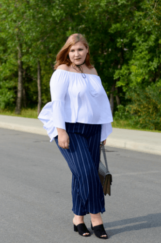 Off-shoulder-top-with-navy-striped-pants-332x500 23 Ways to Style Plus Size Off-the-Shoulder Tops for Women