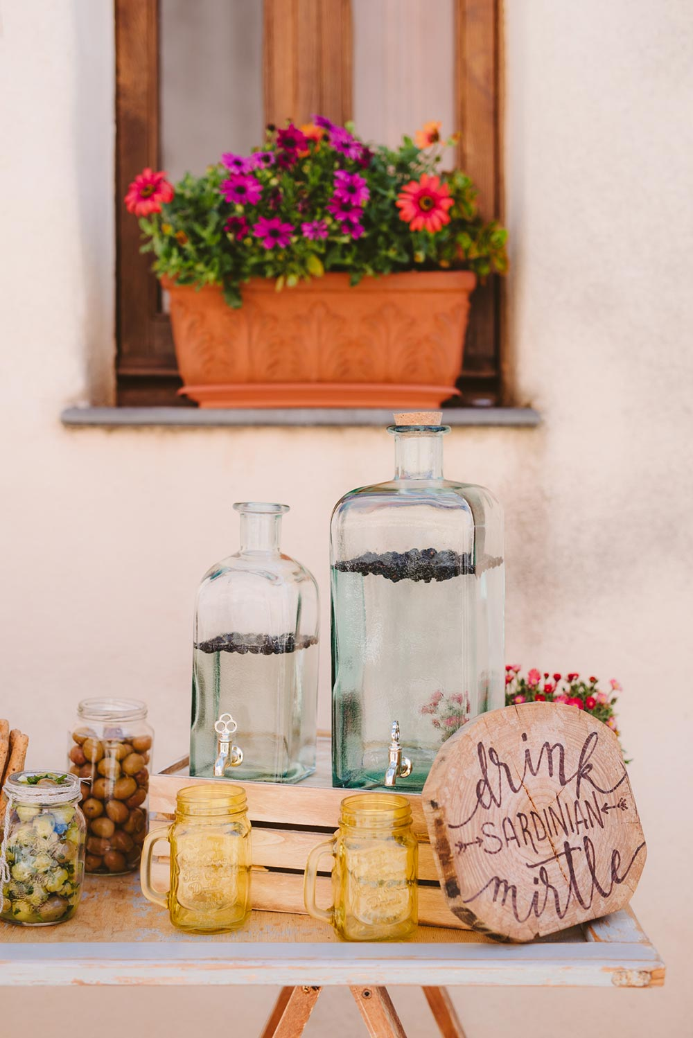 rustic chic dessert display Italian wedding traditions