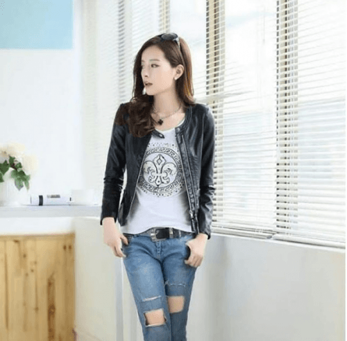 Graphic-tee-with-blazer-500x492 Graphic Tee Outfits - 20 Ideas How to Wear a Graphic Tee