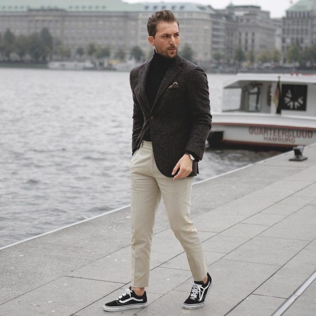 Classic-Charcoal-Blazer-with-Black-Converse 30 Best Charcoal Grey Suits with Black Shoes For Men