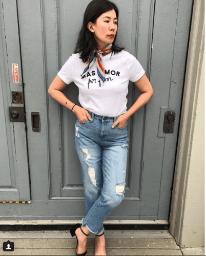 graphic-tee-with-jeans-1-402x500 Graphic Tee Outfits - 20 Ideas How to Wear a Graphic Tee