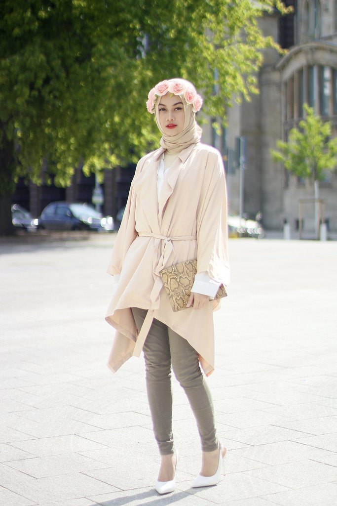 spring-hijab-fashion 30 Stylish Ways to Wear Hijab with Jeans for Chic look