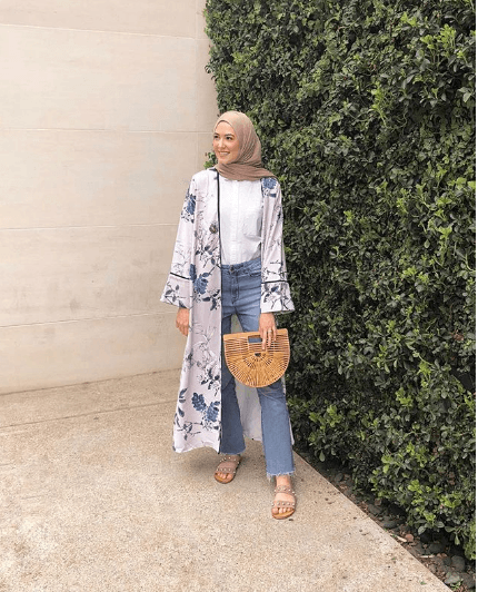 hijab-with-jeans-1 30 Stylish Ways to Wear Hijab with Jeans for Chic look