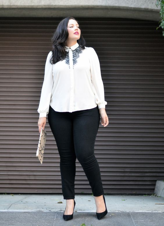black jeans, a white shirt with a touch of black lace and black heels for a strict dress code look