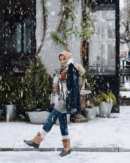 hijab-with-jeans-outfit-2 30 Stylish Ways to Wear Hijab with Jeans for Chic look