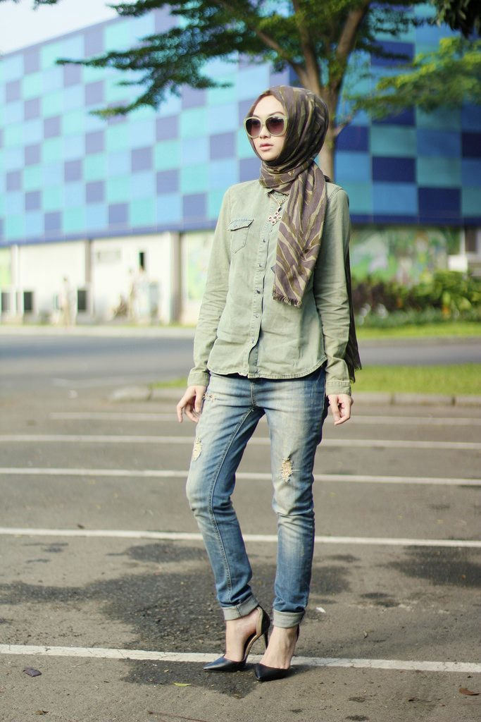 hijab-fashion 30 Stylish Ways to Wear Hijab with Jeans for Chic look