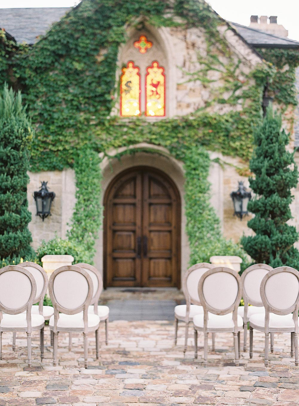 cushioned dior chairs wedding ceremony