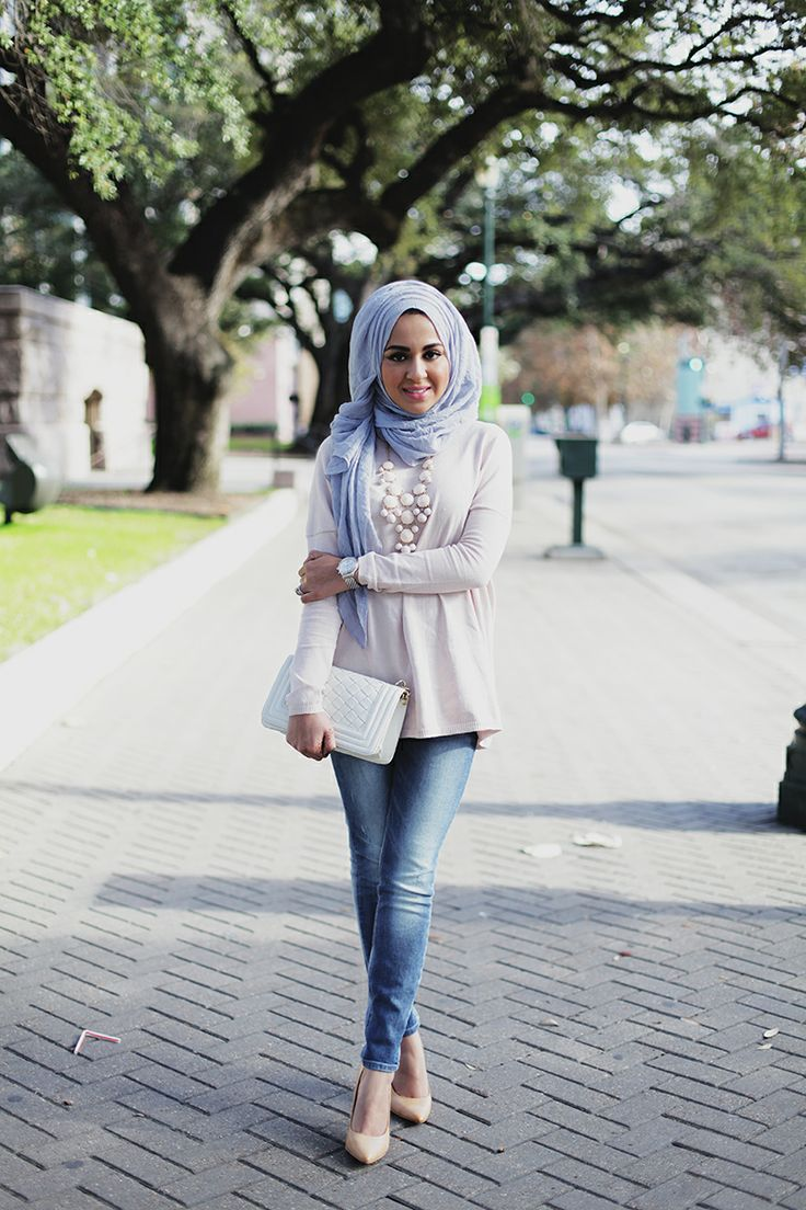 Mulsim-models-with-hijab 30 Stylish Ways to Wear Hijab with Jeans for Chic look