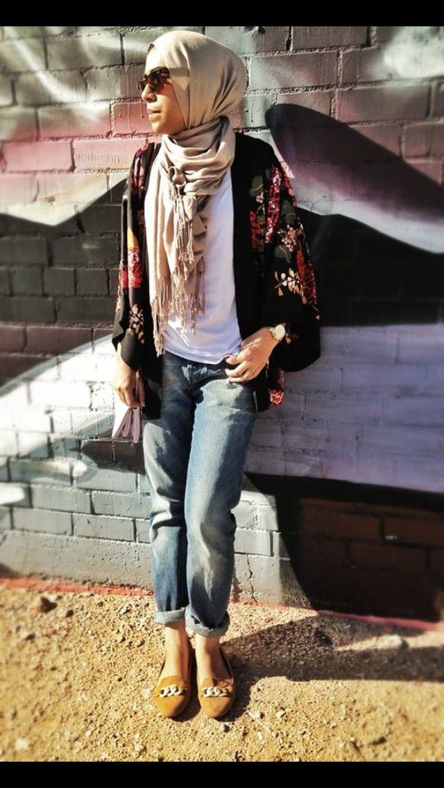 Hijab-with-boyfriend-jeans 30 Stylish Ways to Wear Hijab with Jeans for Chic look