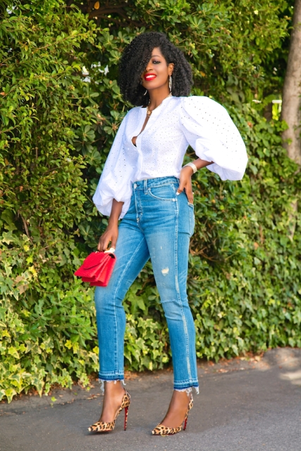 With jeans, red mini bag and leopard printed pumps