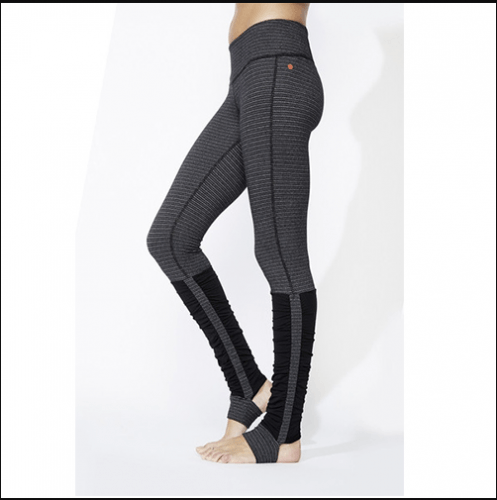 Leggings-for-pilate-497x500 20 Best Pilates Class Outfits for Women
