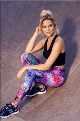 Colorful-Outfit-331x500 20 Best Pilates Class Outfits for Women