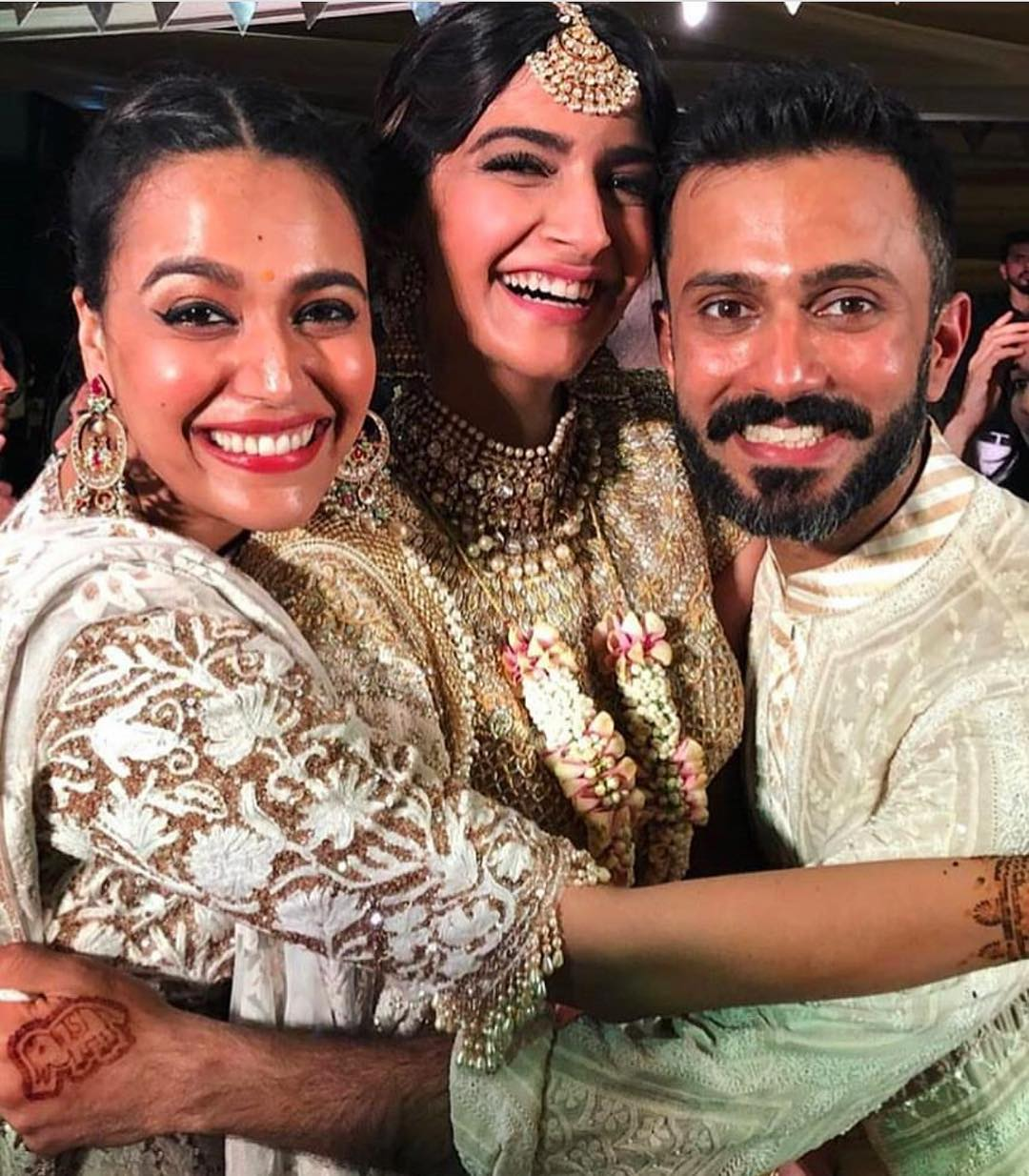 27-1 Sonam Kapoor Wedding Pics - Engagement and Complete Wedding Pictures