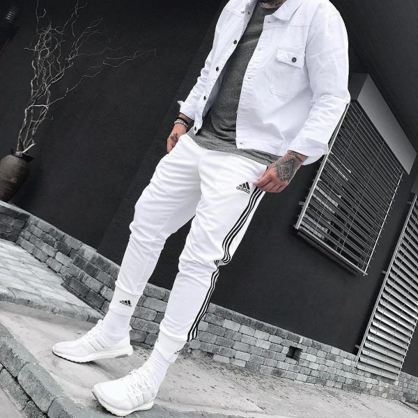 All-White-600x600 25 Outfits to Wear with White Sneakers for Men