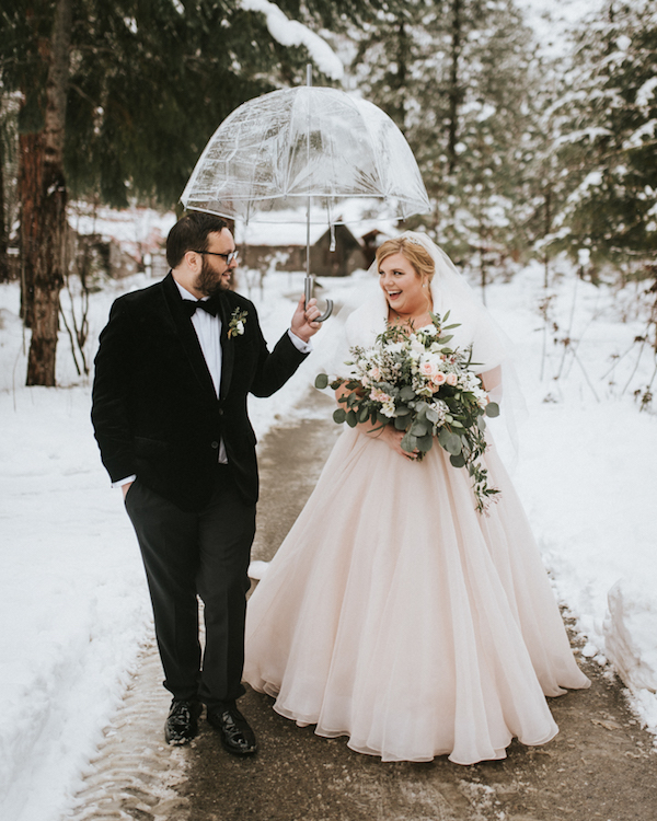 This couple opted for a glam and sparkly winter wedding with touches of blush