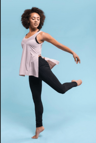 Twirling-like-a-dancer-336x500 20 Best Pilates Class Outfits for Women