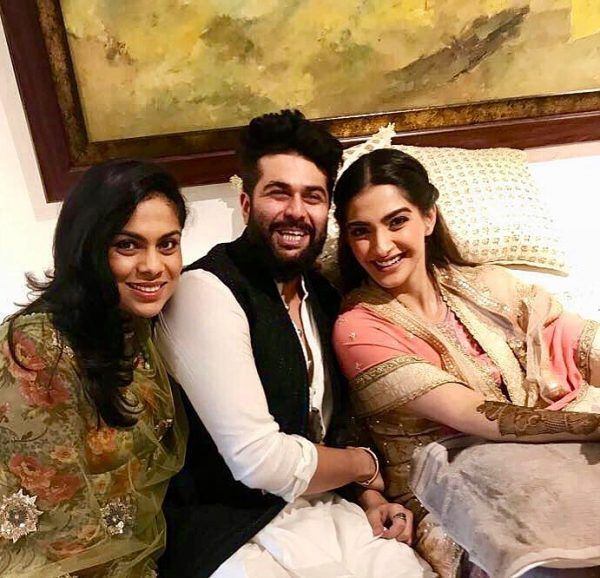 23-600x578 Sonam Kapoor Wedding Pics - Engagement and Complete Wedding Pictures