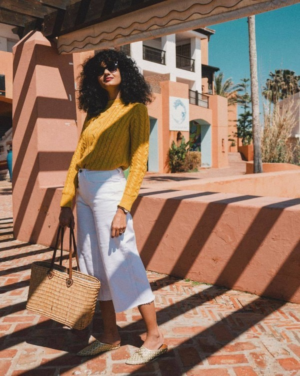 19-5-600x750 20 Best Outfits with Mustard Sweaters for Women in 2018
