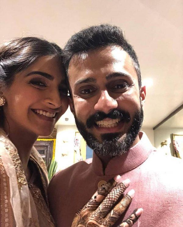 22-600x743 Sonam Kapoor Wedding Pics - Engagement and Complete Wedding Pictures