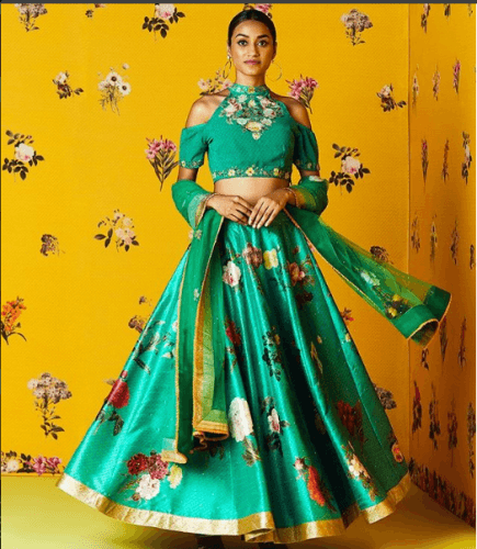 floral-engagement-dress-435x500 27 Latest Engagement Dresses for Women in India
