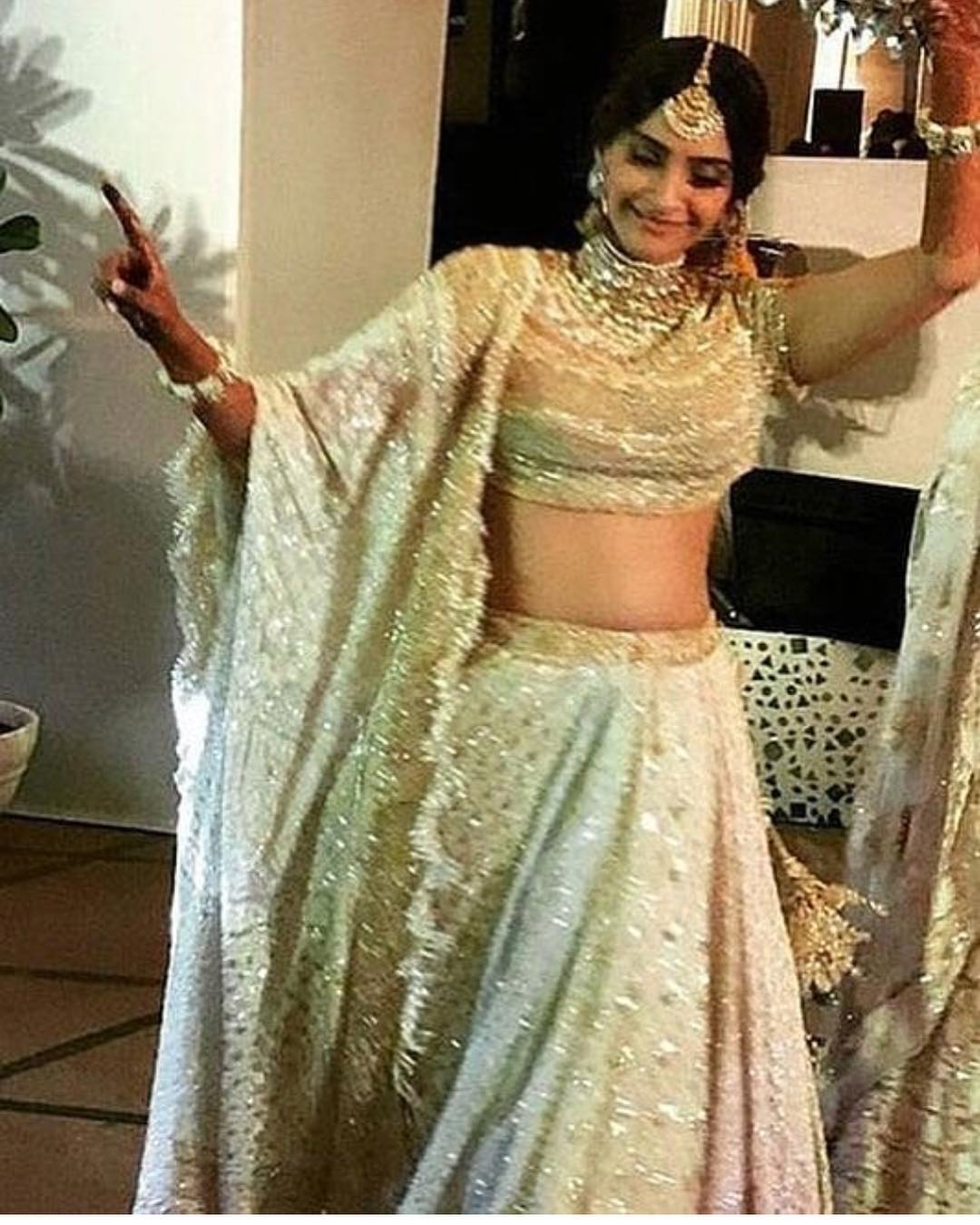 3-2 Sonam Kapoor Wedding Pics - Engagement and Complete Wedding Pictures