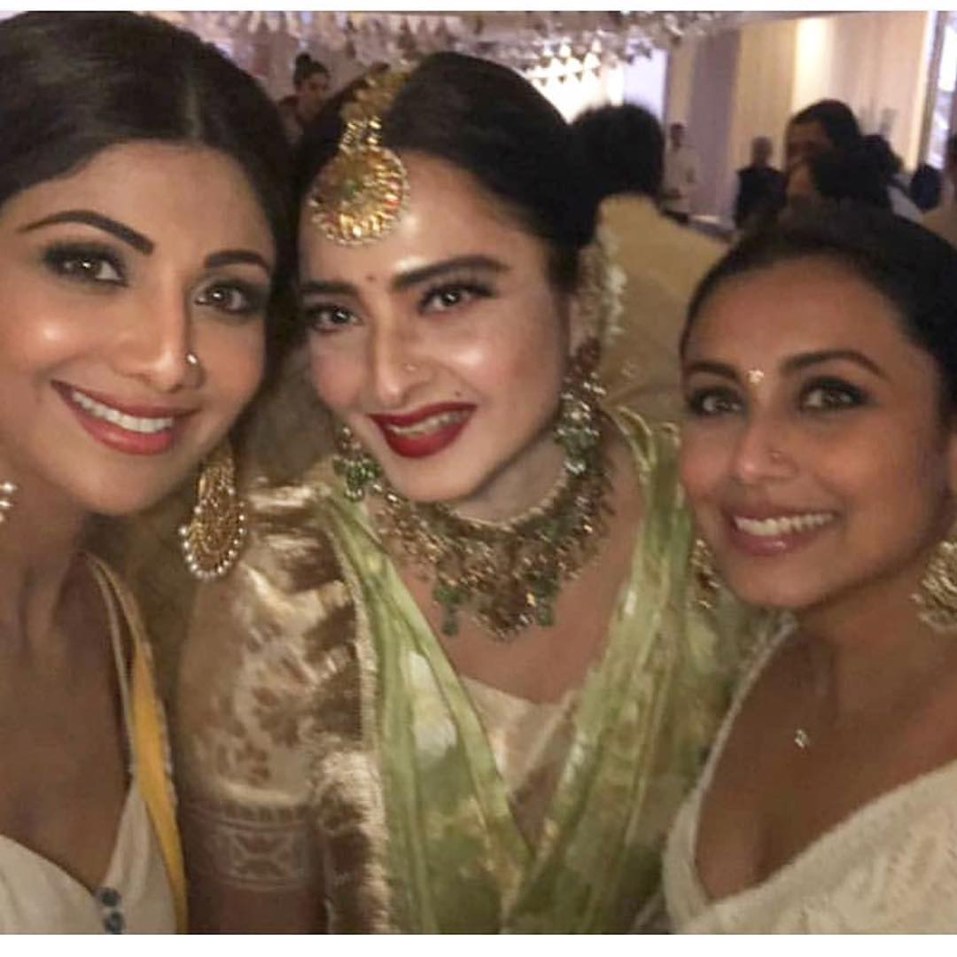 5-2 Sonam Kapoor Wedding Pics - Engagement and Complete Wedding Pictures