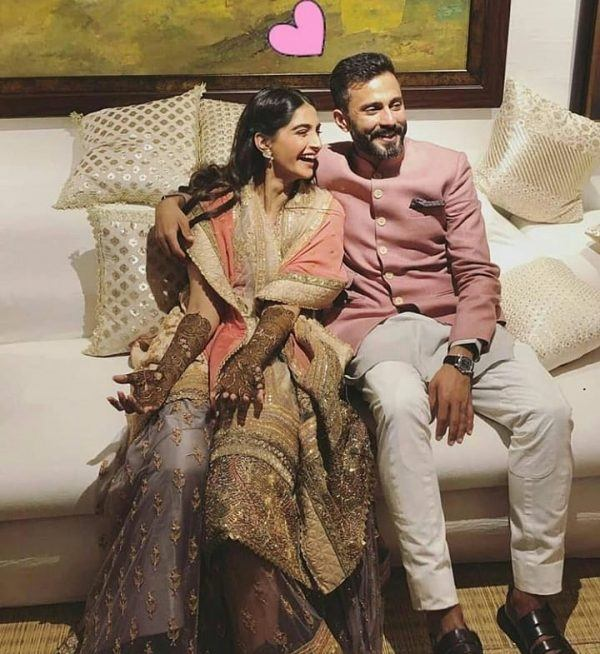 6-600x654 Sonam Kapoor Wedding Pics - Engagement and Complete Wedding Pictures