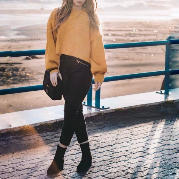 21-5-600x600 20 Best Outfits with Mustard Sweaters for Women in 2018