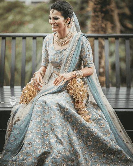 indian-engagement-dress 27 Latest Engagement Dresses for Women in India