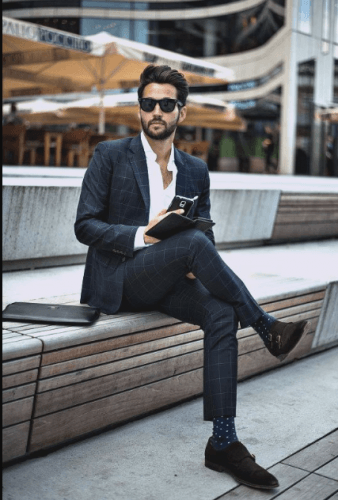 Business-casual-shoes-and-socks-338x500 18 Best Tips and Business Casual Outfits For Men