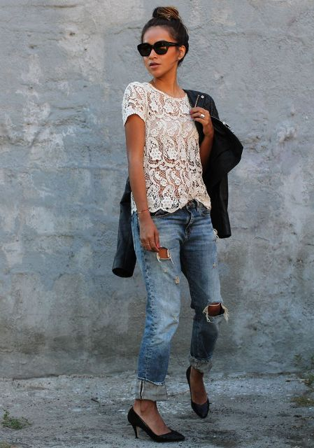 With boyfriend jeans, black pumps and black jacket