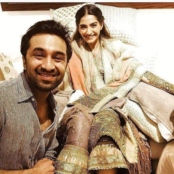 11-600x600 Sonam Kapoor Wedding Pics - Engagement and Complete Wedding Pictures