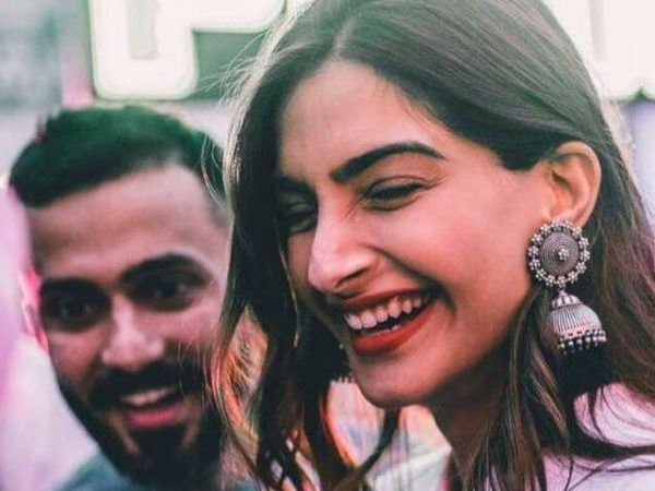 32-600x450 Sonam Kapoor Wedding Pics - Engagement and Complete Wedding Pictures