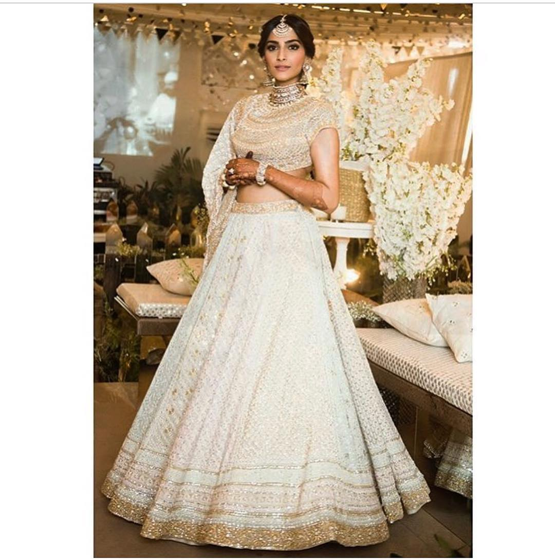 sonam kapoor wedding pics – engagement and complete wedding pictures