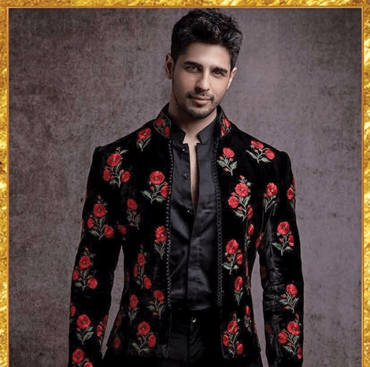 indian-men-engagement-outfit-3 27 Latest Engagement Dresses for Men in India