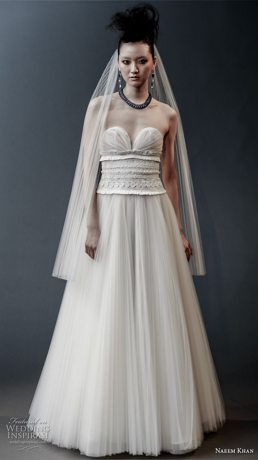 naeem khan spring 2019 bridal strapless sweetheart neckline heavily embellished bodice romantic a line wedding dress sweep train (2) mv