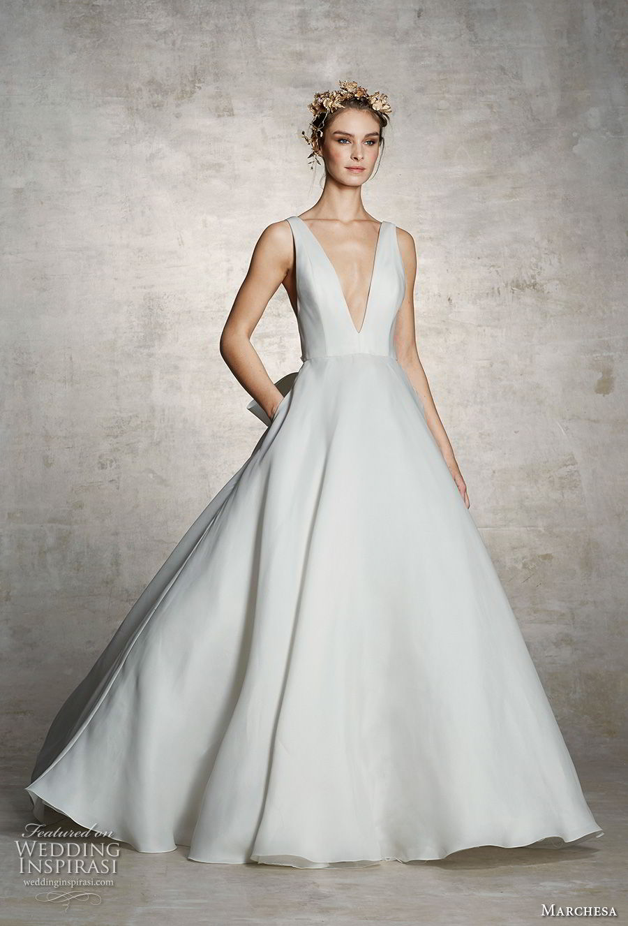 marchesa spring 2019 bridal sleeveless deep v neck simple minimalist elegant classic a line wedding dress with pockets (4) mv