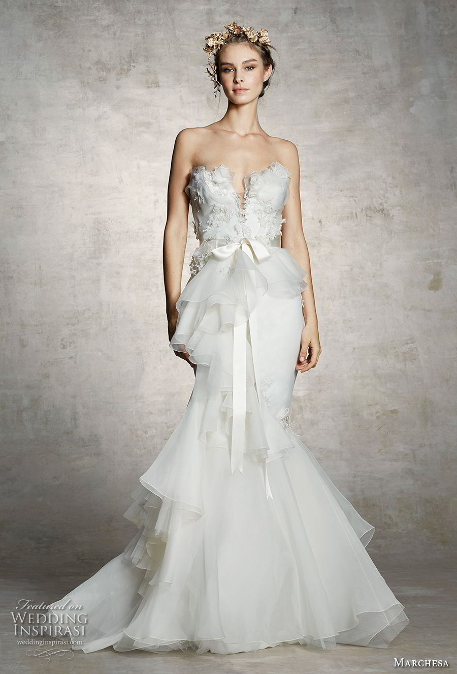 marchesa spring 2019 bridal strapless plunging sweetheart neckline heavily embellished bodice peplum elegant romantic mermaid wedding dress (10) mv