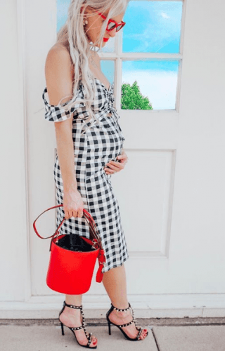 Gingham-Pattern-320x500 18 Comfortable Summer Baby Shower Outfit Combinations