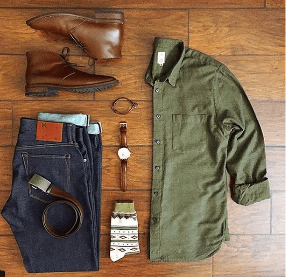 What-to-wear-to-a-summer-bonfire What to Wear for Bonfire Party? 18 Cute Bonfire Night Outfits for Men