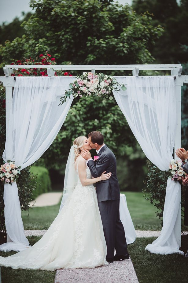 Outdoor wedding ceremony- Dani Leigh Photography