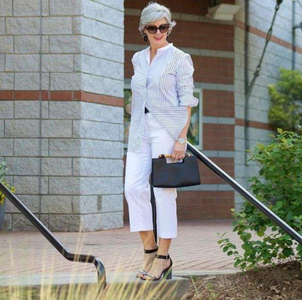 Styling Capri Pants for Women Over 50 (3)