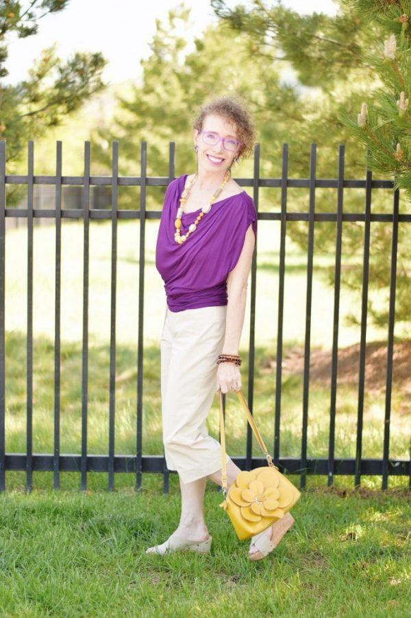 Styling Capri Pants for Women Over 50 (2)