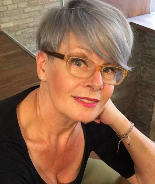 Short Hair Styles For Older Women With Fine Hair
