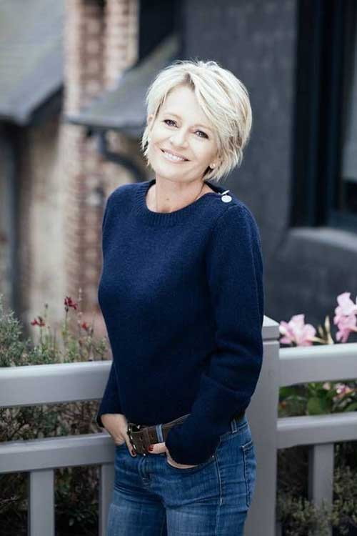 Short Haircuts For Women Over 50 With Thick Hair